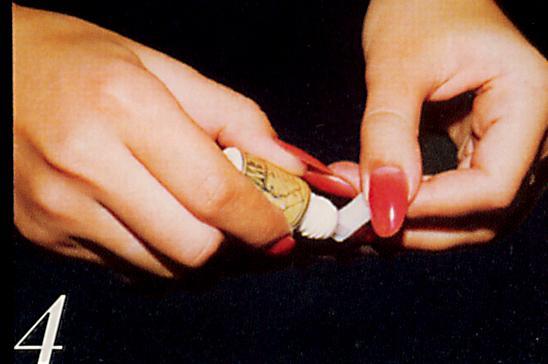 Чем отклеить накладные ногти от суперклея